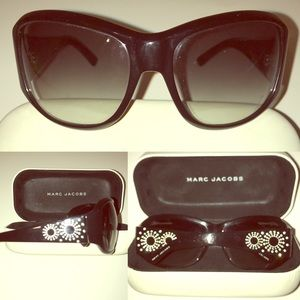 Marc Jacobs $295 Ornate Sunglasses with case